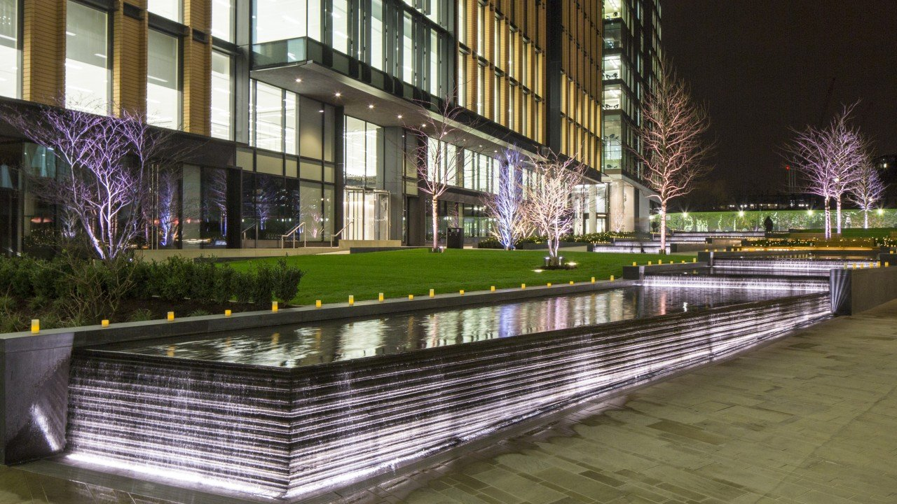 Water feature at Pancras Square, King's Cross by the Fountain Workshop